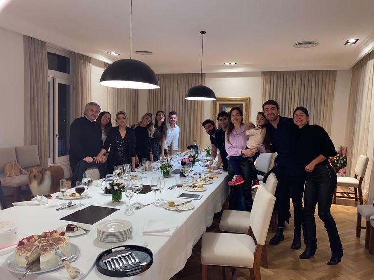 La foto del cumpleaños de Fabiola Yañez en Olivos, el 14 de julio de 2020