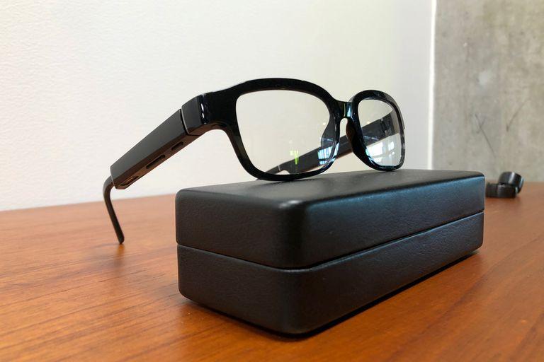 Los anteojos inteligentes de Amazon no tienen cámara, pero sí micrófonos y parlantes para ser utilizados con Alexa