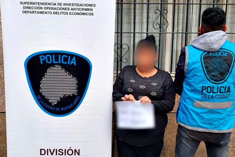 La mujer tiene 45 años y fue detenida en su vivienda.