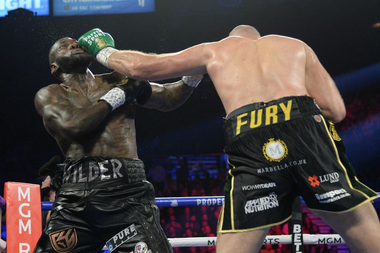 Tyson Fury dominó los primeros momentos de su segundo enfrentamiento con Deontay Wilder.