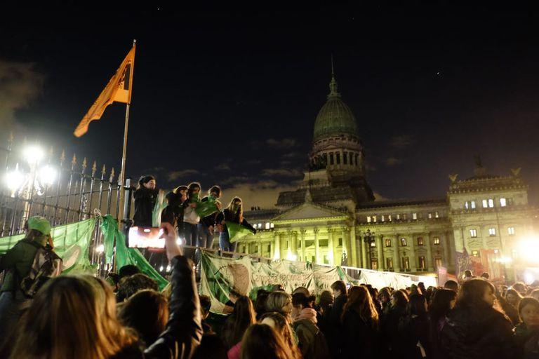 Así siguieron el debate anoche, quienes se movilizaron a favor de la legalización del aborto
