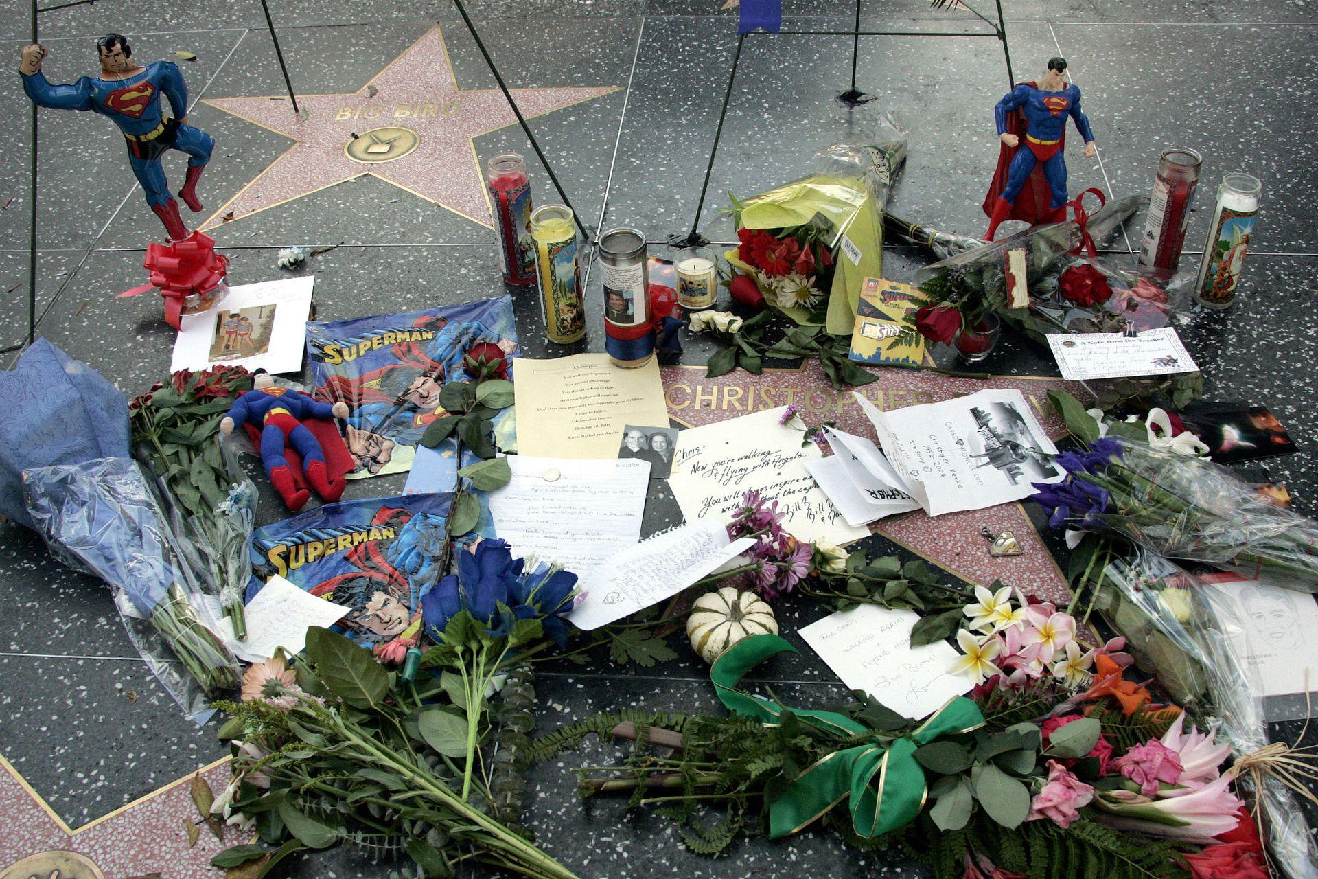 El día que murió, fans de Reeve lo homenajearon en el paseo de la fama