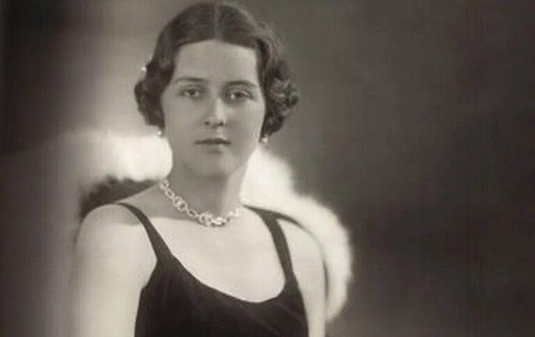 La repentina y temprana muerte de la princesa Cecilia junto con toda su familia marcó a fuego la juventud de Felipe de Edimburgo
