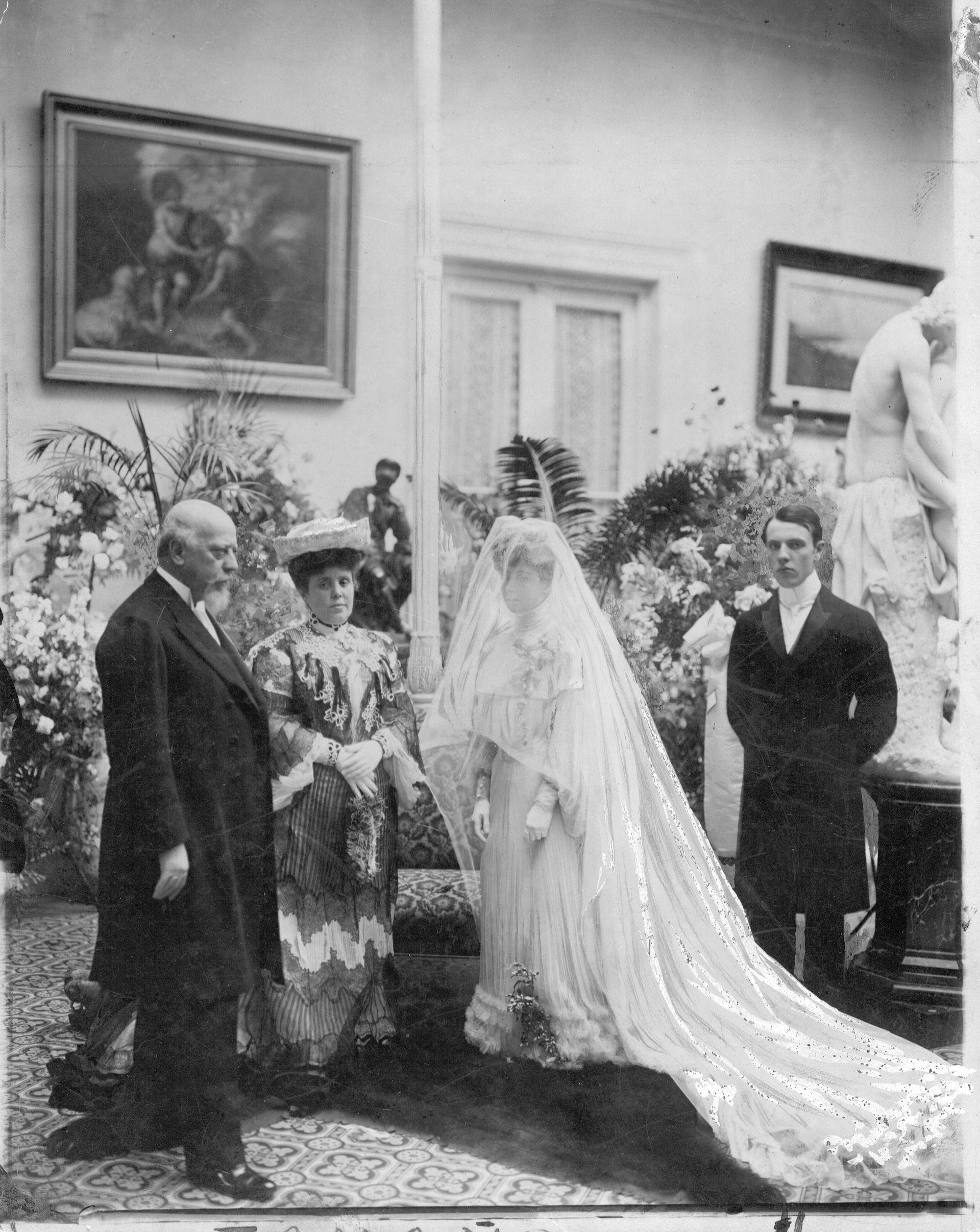 Agustina Roca el día del casamiento con José Evaristo Uriburu, hijo del presidente homónimo.