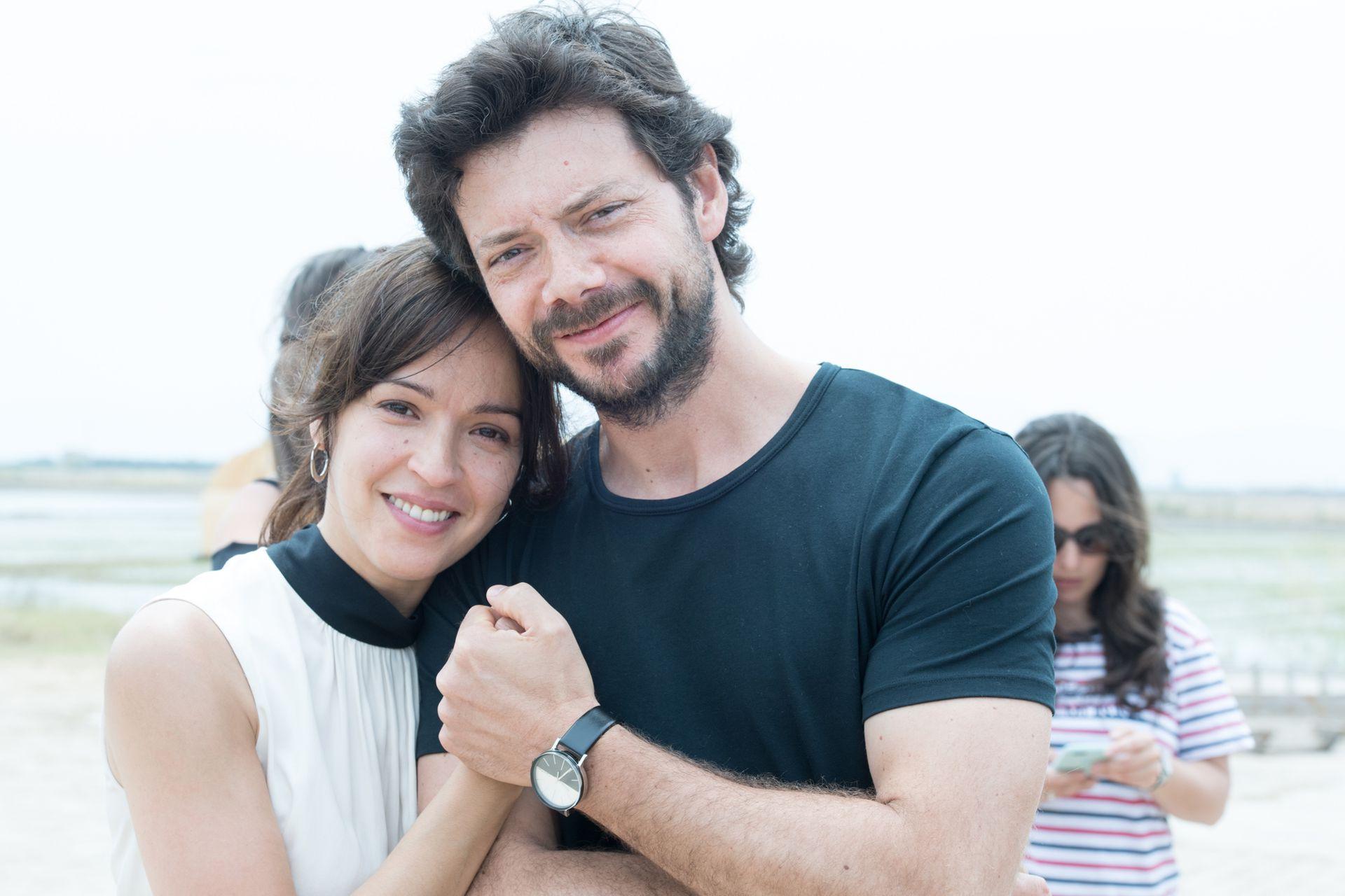 Álvaro Morte y Verónica Sánchez