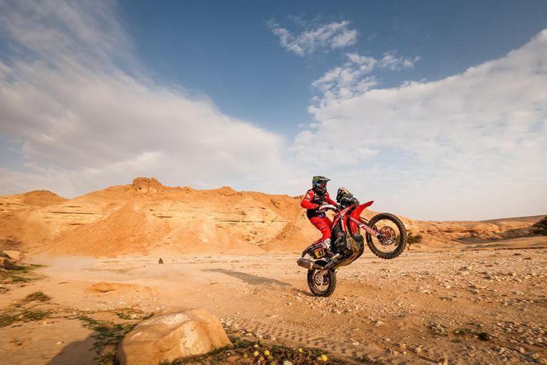 Kevin Benavides doma la moto, camino a la victoria; por segundo año consecutivo, Honda se adueñó del triunfo en el Rally Dakar