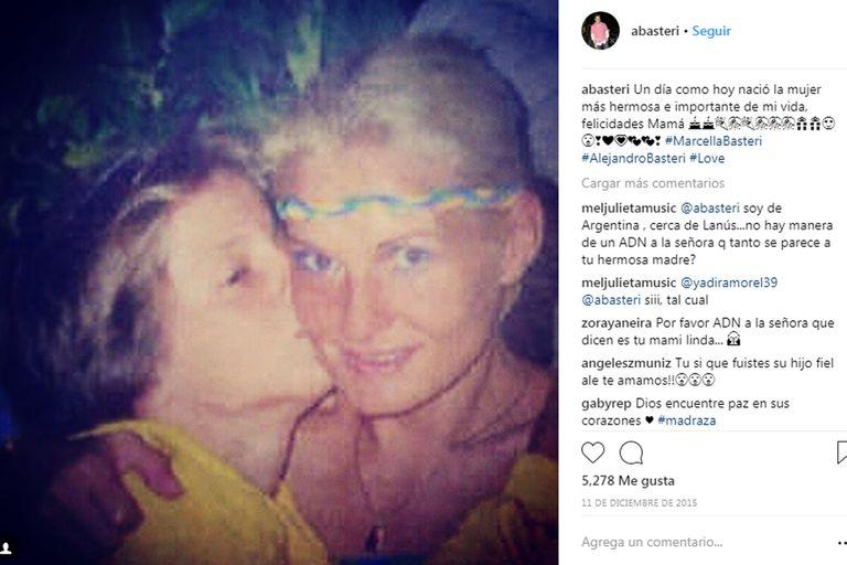Alex también celebra a través de las redes sociales cada cumpleaños de Marcela