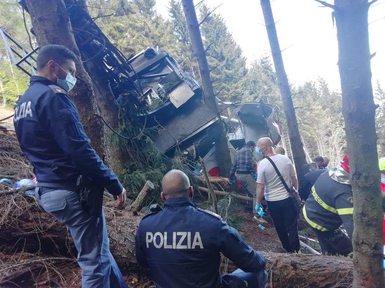 Falló el cable de un funicular de una localidad turística que desde el Lago Maggiore lleva a un famoso mirador; en el accidente murieron 13 personas