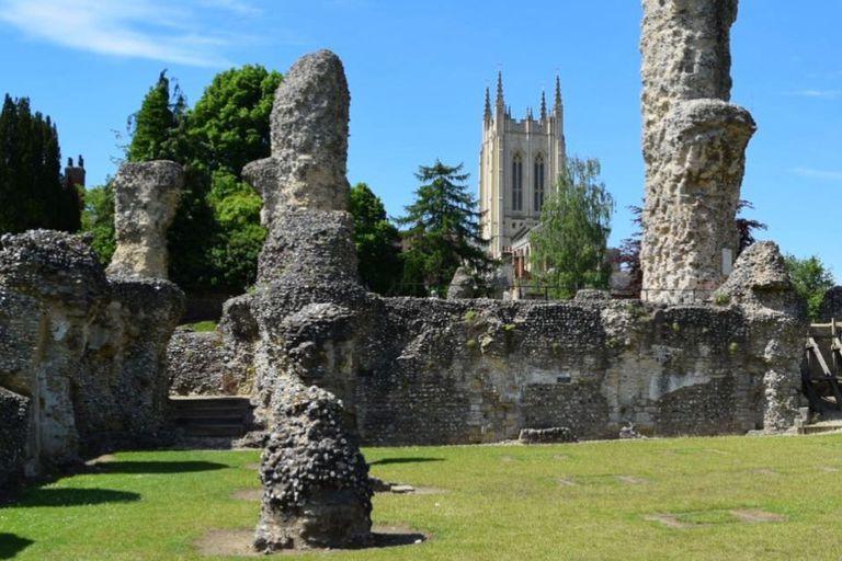 Las ruinas de la abadía de Bury St. Edmunds. Según los historiadores, los niños habrían seguido el ruido de las campanas hasta llegar al pueblo
