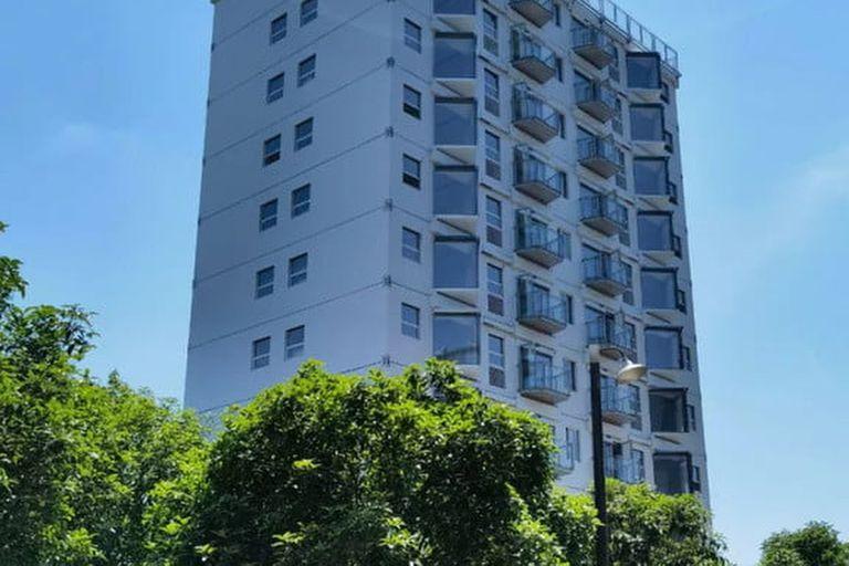 Este edificio de 10 pisos fue levantado en menos de dos días