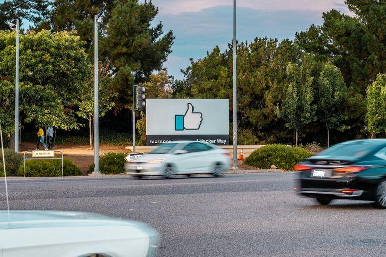 La sede de Facebook en Menlo Park, California. El apagón del lunes fue una demostración a escala planetaria de lo esenciales que se han vuelto los servicios de la compañía para la vida cotidiana