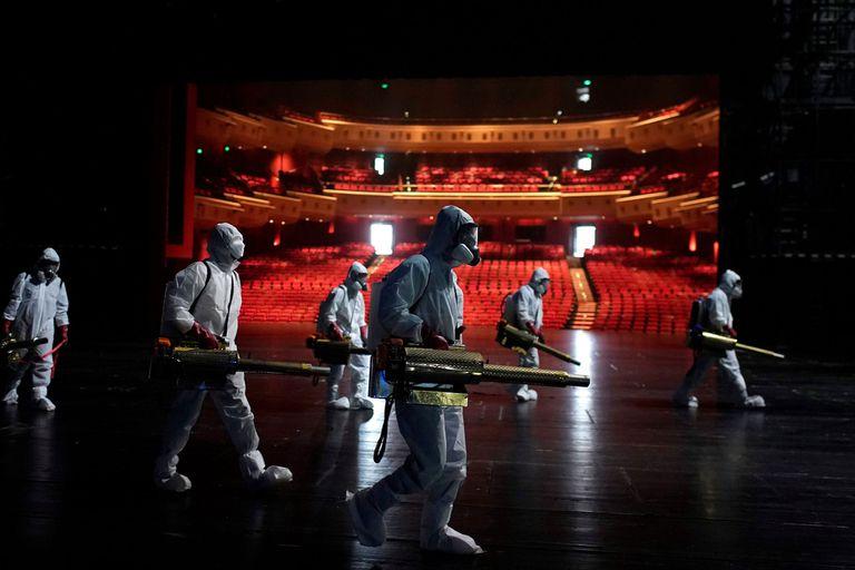 La pandemia del coronavirus vació los teatros, cines y estadios