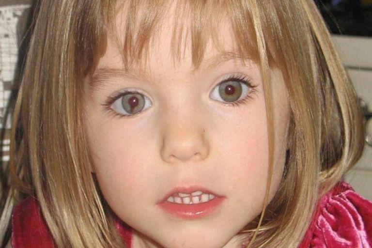 Madeleine McCann, de 3 años, desapareció del cuarto de hotel en el que dormía, en una playa de Portugal y desde entonces su paradero ha sido un misterio para familiares e investigadores