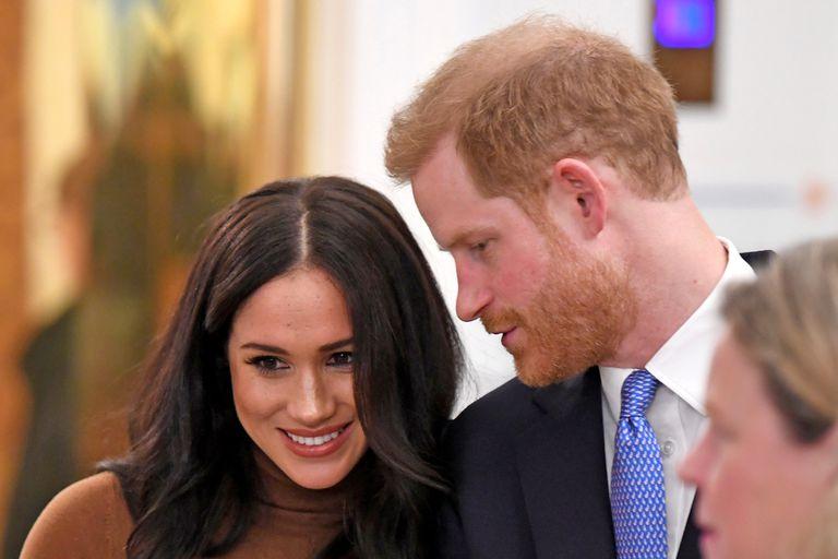 El Príncipe Harry y Meghan buscan alternativas de proyectos económicos al abandonar la realeza.