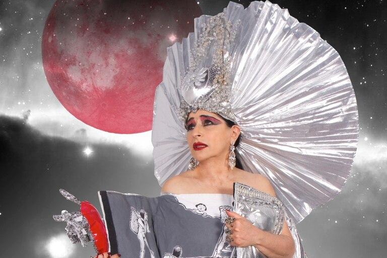 Astrid Hadad, figura rutilante de la escena mexicana, en el Festival Internacional de Cabaret