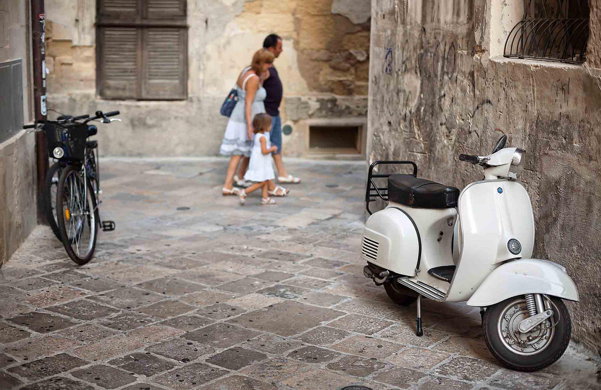 """Una de las callecitas de Lecce a la que le dicen """"la Firenze del sur de Italia"""", o """"la Atenas de la Puglia""""."""
