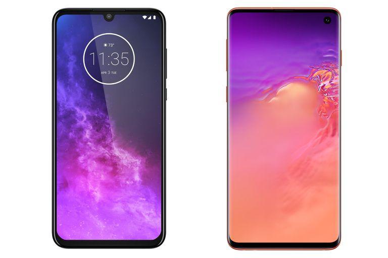 Un Motorola One Zoom y un Samsung Galaxy S10