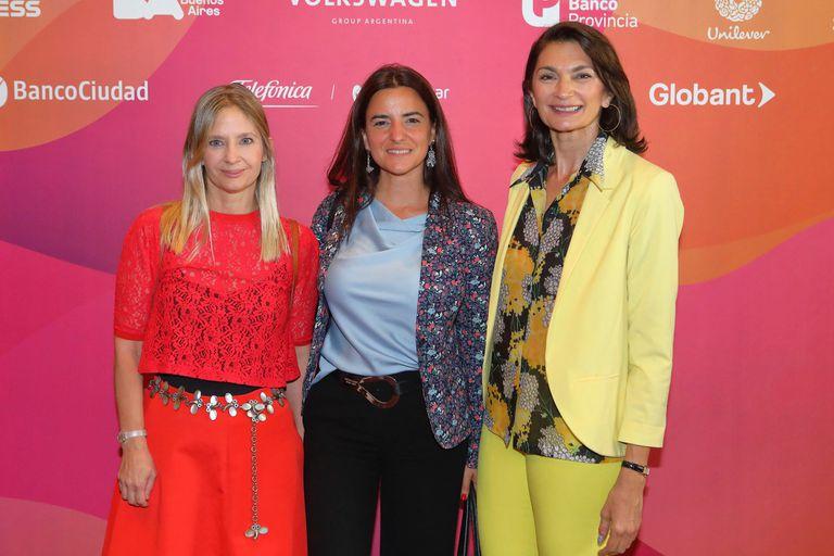 Constanza Cilley, Lucila Maldonado (Latam) y Mariana Arias (La Nación)