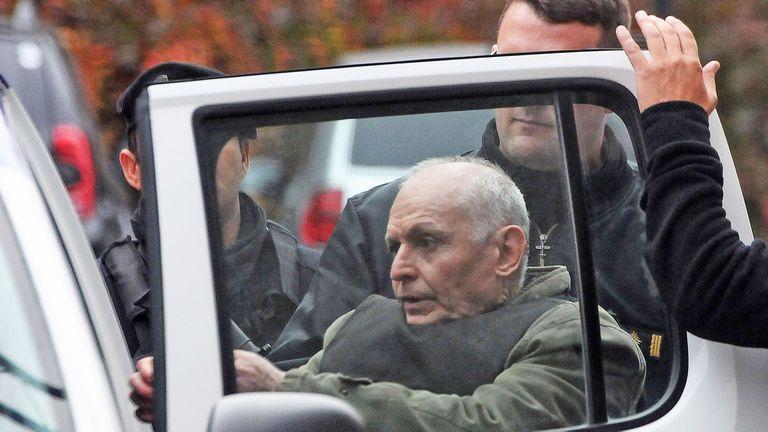 Robledo Puch, en una de sus escasas salidas de prisión