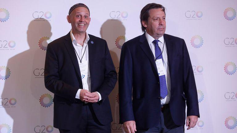 A la izquierda, el rabino Sergio Bergman, ministro de Ambiente nacional