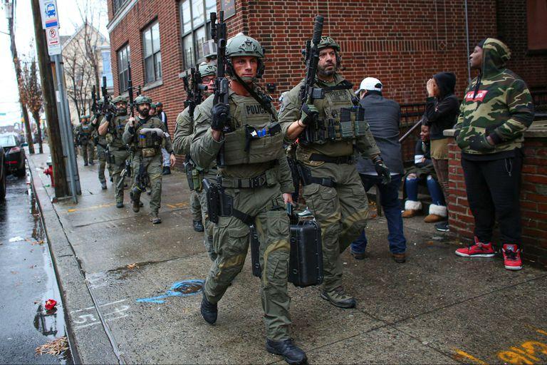 La policía, en el lugar del tiroteo
