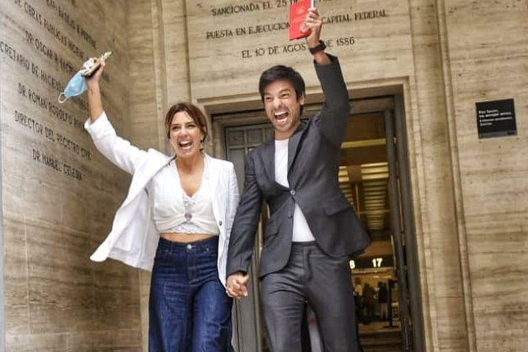 """El Chino Leunis se casó con su pareja: """"Nos vamos los siete de luna de miel"""""""