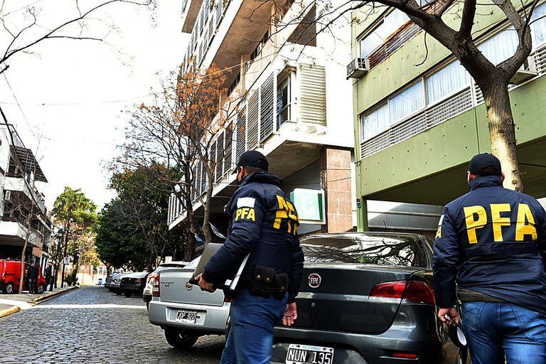 """Liberan a los secretarios del fiscal acusado de """"gerenciar"""" el narcotráfico"""