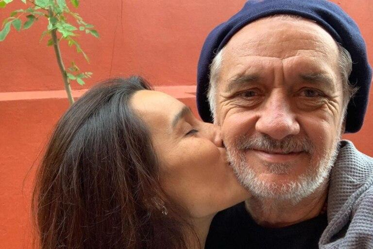 """Oscar Gómez """"Cholo"""" Castañón, más enamorado que nunca.  El periodista se enamoró de una joven que conoció en Instagram"""