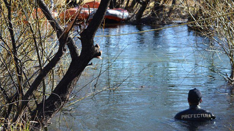 Rastrillan por tercera vez el río Chubut dentro del lof de la comunidad mapuche