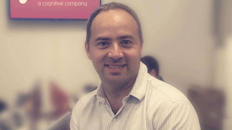 Juan Fardaus es ingeniero y trabaja en una consultora de Big Data
