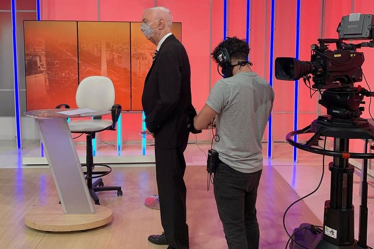 Mauro Viale en La pura verdad, el programa que conducía en A24