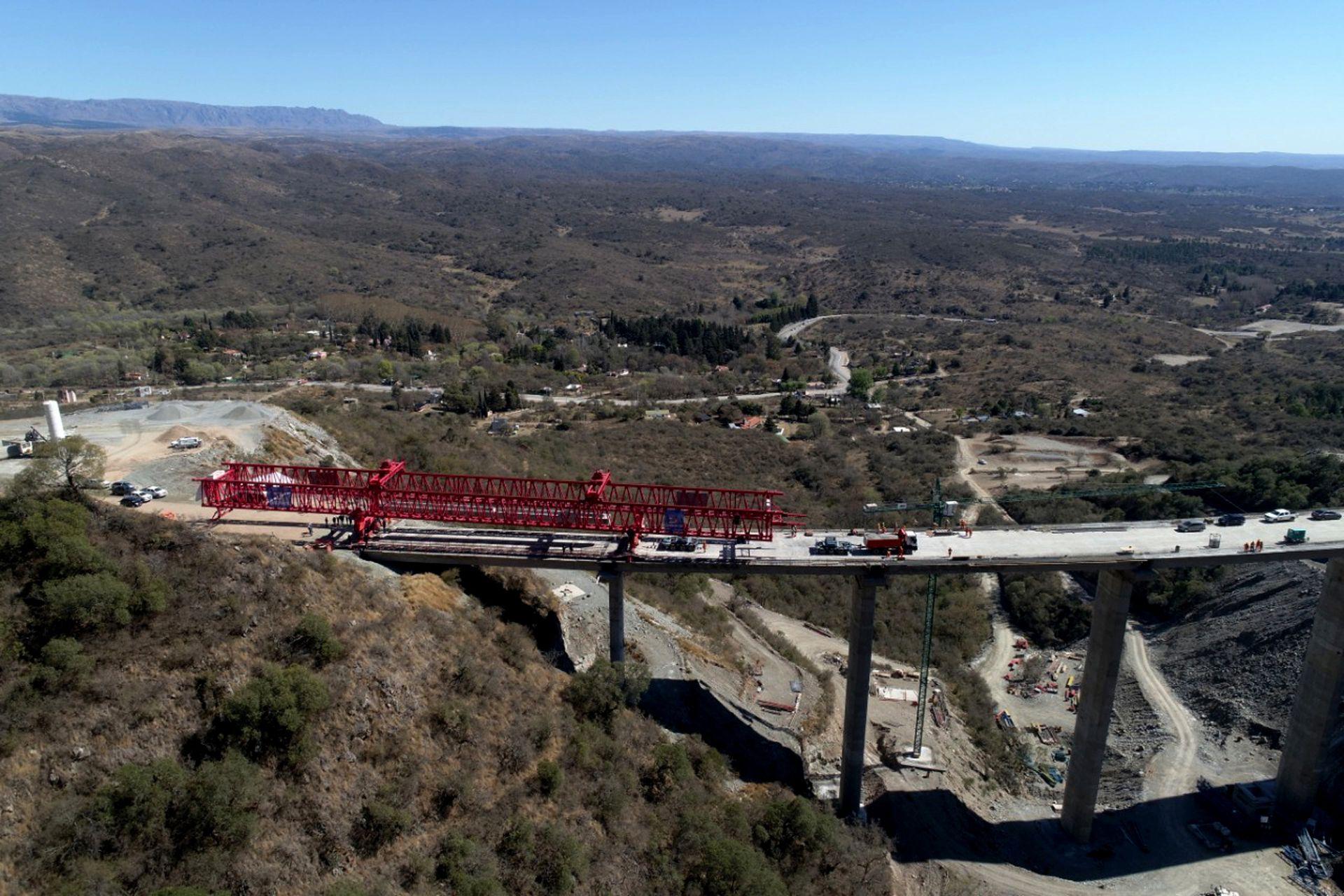 Los beneficios son muchos; menor tiempo para unir Córdoba con traslasierra, ahorro de combustible, disfrutar de una vista inigualable de las sierras y transitar por un camino muy seguro