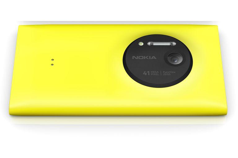 El Lumia 1020 y su sensor de 41 megapixeles junto al doble flash (Xenón para fotos, LED para video)