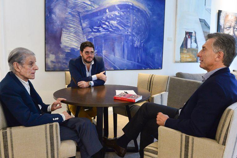 El presidente Mauricio Macri recibió a Juan José Sebreli en Olivos