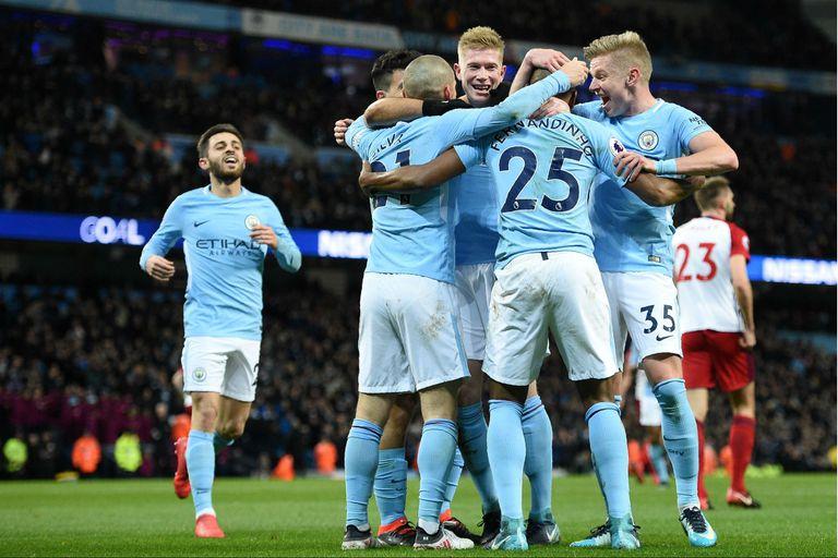 Con un gol de Agüero, Manchester City ganó y estiró su ventaja en la Premier