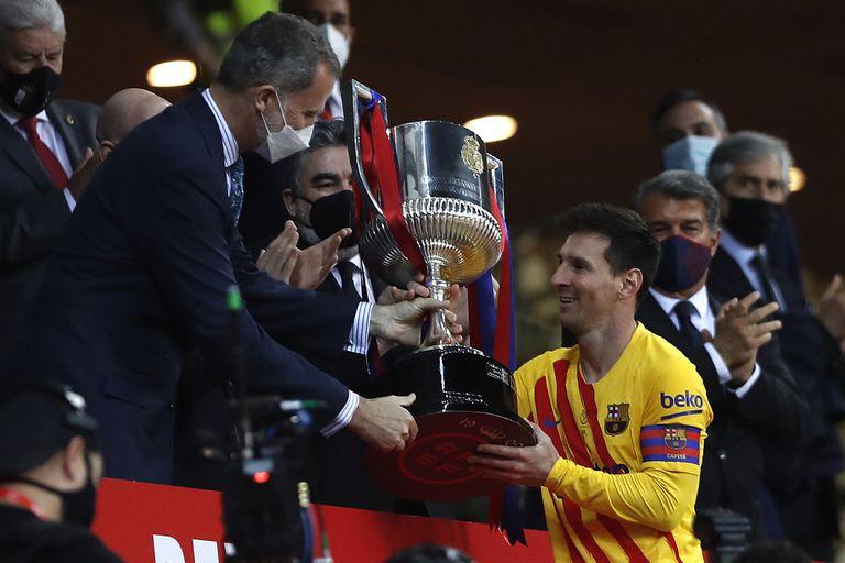 Messi: dos golazos, su 35º título en Barcelona y un futuro abierto