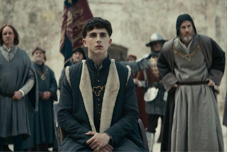 Netflix: En El rey, intrigas palaciegas y el carisma de Timothée Chalamet