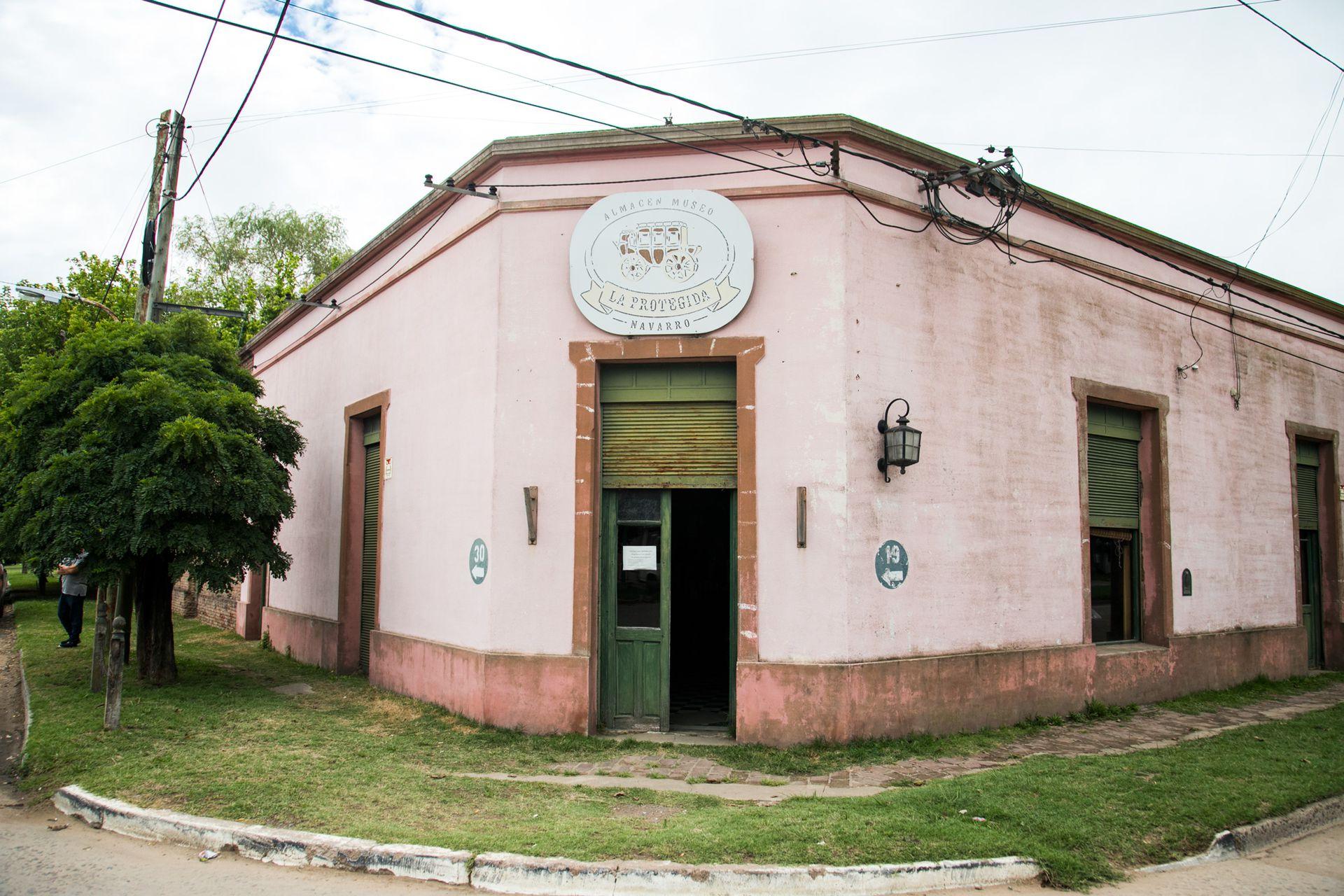 La esquina de La Protegida, en Navarro