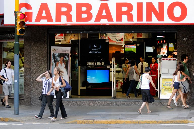 Garbarino está a la búsqueda de un socio que aporte fondos frescos y también negocia el cobro de una acreencia que tiene con el gobierno porteño
