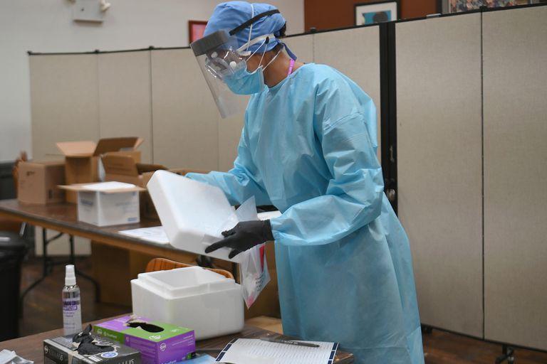 El gobernador Andrew Cuomo emitió una orden a los hospitales de la región para priorizar el testeo de coronavirus en los niños