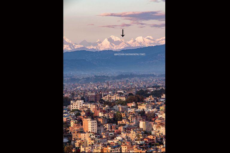 El Everest visible desde Katmandú por primera vez en la memoria