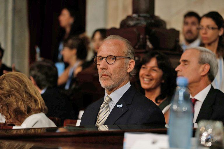 El presidente de la Corte Suprema, Carlos Rosenkrantz, y la vicepresidenta, Elena Highton, son los jueces del tribunal presentes en el Congreso
