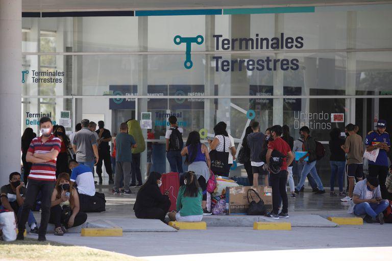 Los testeos de saliva están destinados a personas que permanezcan al menos un día en la ciudad y llegan de un destino a más de 150 kilómetros o residentes porteños que regresan después de 72 horas