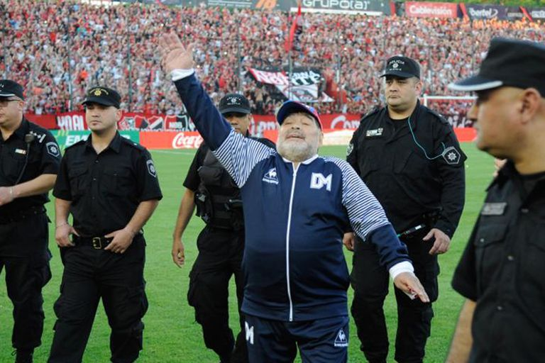 La Plata desborda de ansiedad: un clásico crucial...y con Diego Maradona