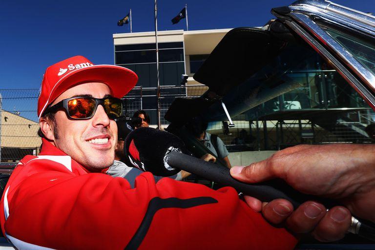 Alarma en la F.1: atropellaron a Fernando Alonso cuando andaba en bicicleta