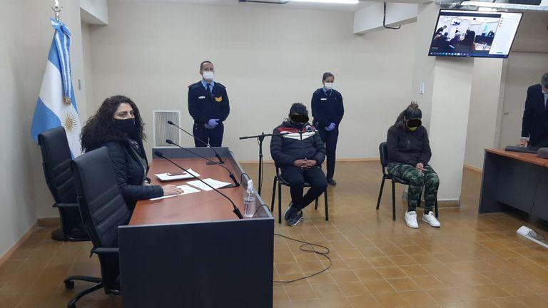Audiencia contra la portera de un colegio que se filmó en poses sexuales con un menor