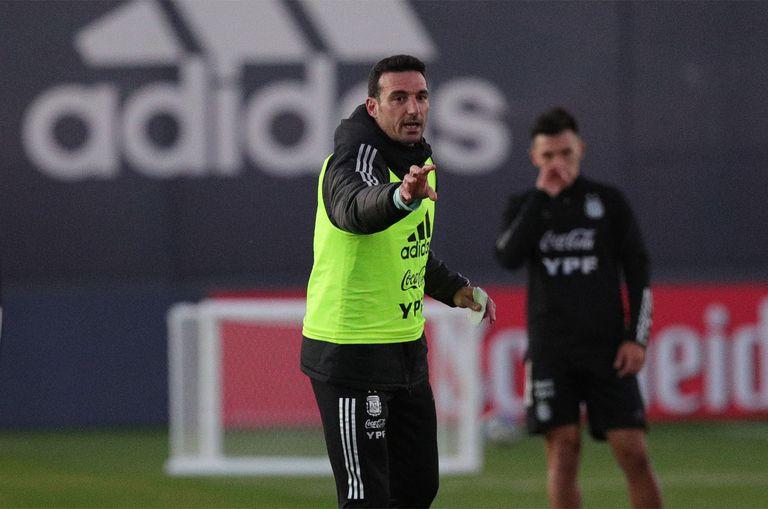 Lionel Scaloni, en un entrenamiento de la selección, en Ezeiza.