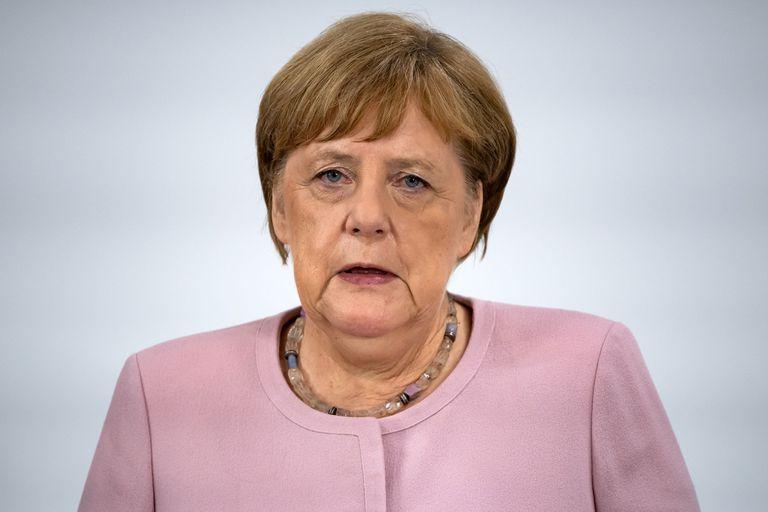 Merkel habló de su salud tras los temblores en actos públicos