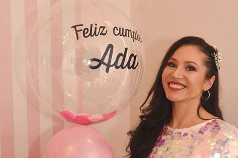 Adabel Guerrero cumplió 40 y su pareja le pidió casamiento durante el festejo