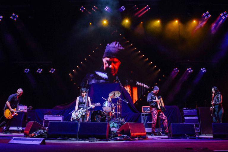 Los músicos de Nirvana se juntaron y le rindieron homenaje a Kurt Cobain